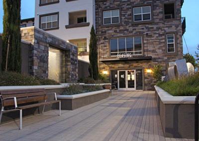 888 San Mateo Drive